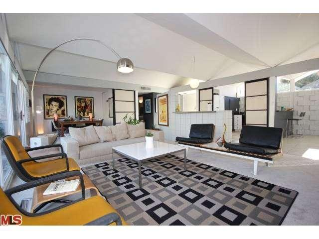 Mid century condo for sale in Palm Springs California