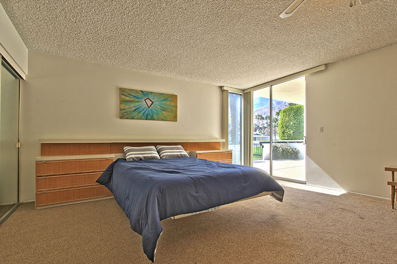 Mid century modern Condo for Sale in Palm Springs