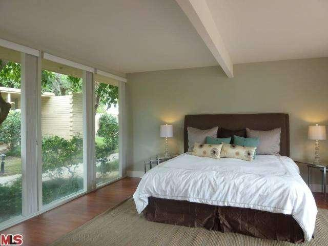 Palm Springs' Historical Racquet Club Garden Villas unit 211 bedroom