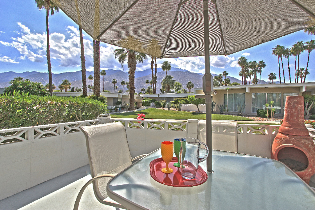 Palm Springs Mid-century modern condo with views - West Facing Patio