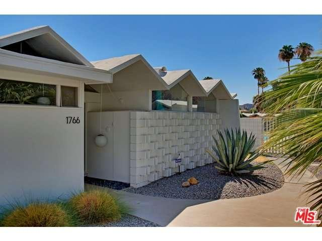 Entrance of Park Imperial South condo for sale in Palm Springs