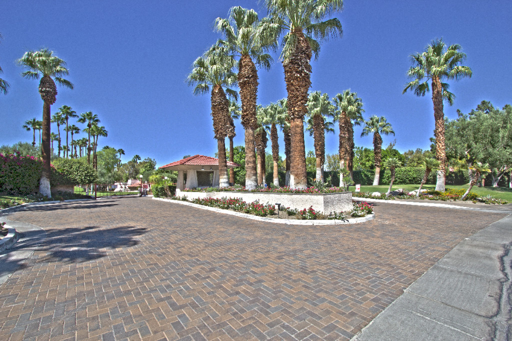 Palm Springs Villas 2 - gated community entrance