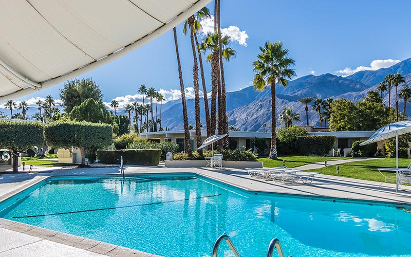 Villa Riviera swimming pool