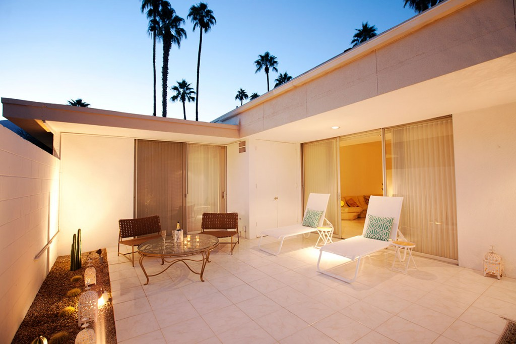 Private patio at 15 Desert Lakes