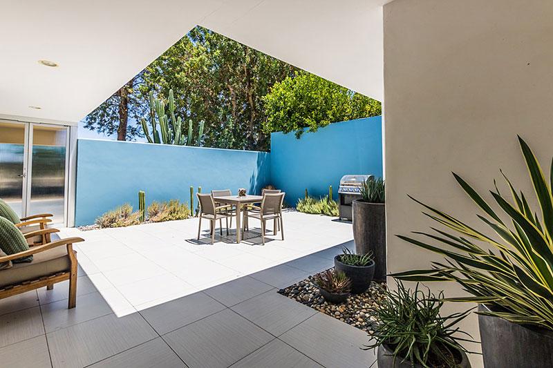168-desert-lakes-private-tiled-courtyard