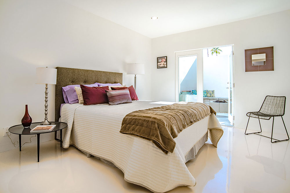 garden-villas-east-1834-sandcliff-guest-bedroom