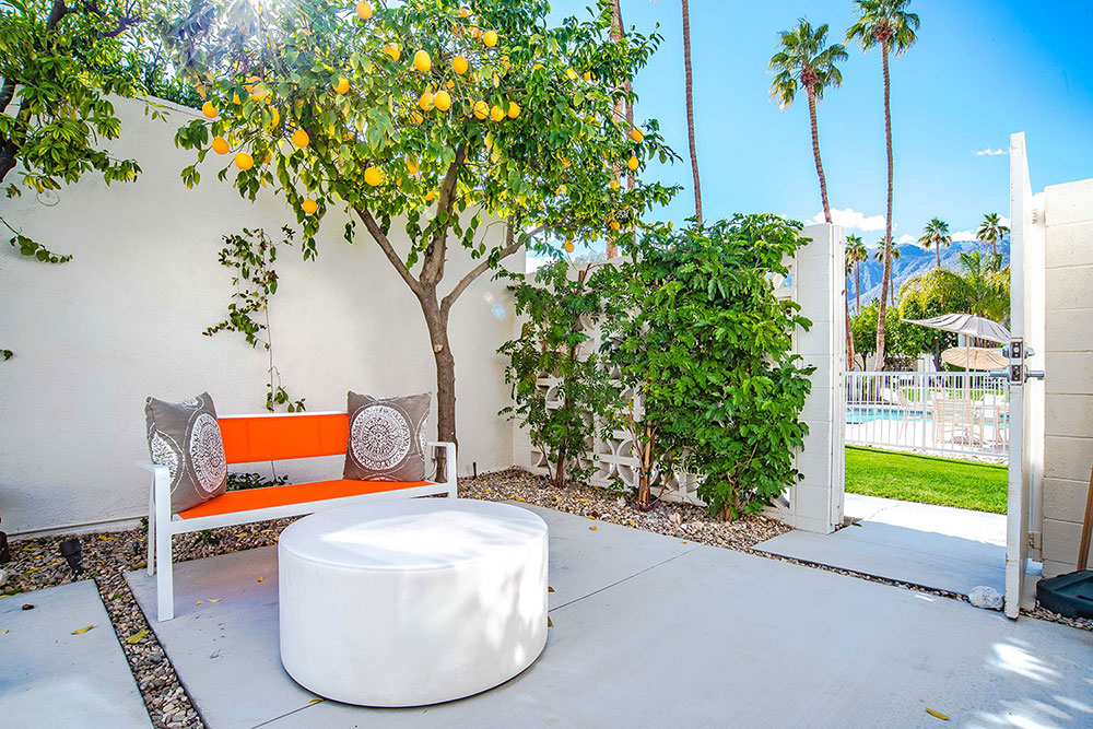 1834 Sandcliff rd, patio vith views